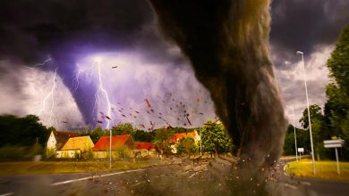 What causes a tornado to form